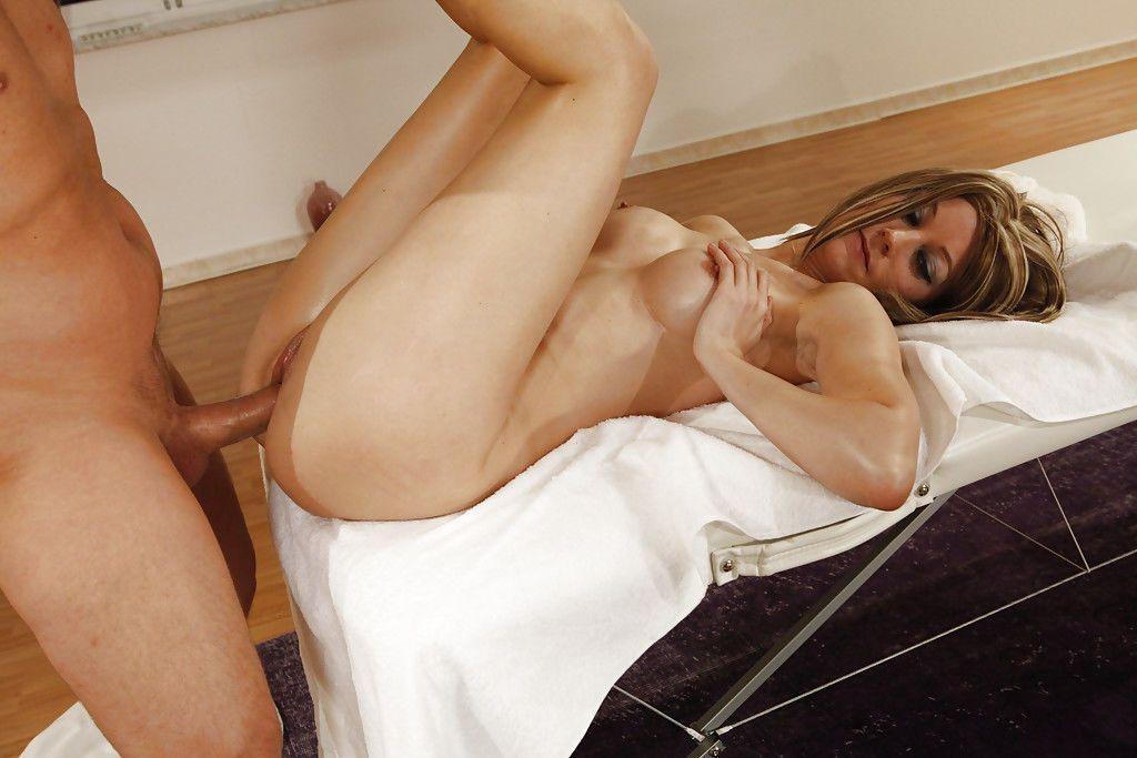 Oiled Euro pornstar Lara Mystique jerking and blowing her masseur