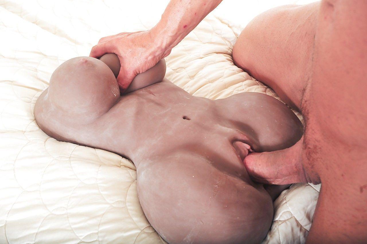 seks-s-samodelnoy-vaginoy