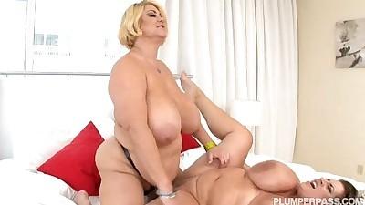 Busty BBW Pornstars Samantha 38G..