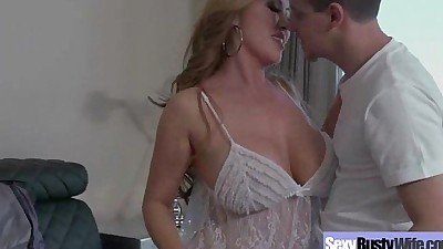 Housewife (kianna dior) With Big..