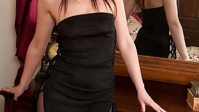 Pantyhose adorned brunette MILF..