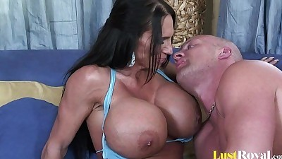 Extremely busty mommy Lisa Lipps..