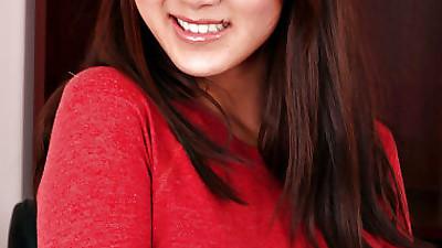 Asian amateur Evelyn Lin strips..