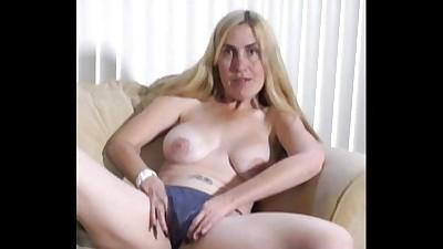 MILF Porsha's 1st Nude Pantyhose..