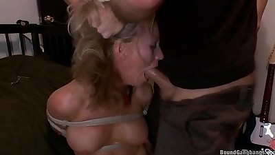 Busty cunt Simone Sonay gets face..