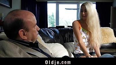 Old schlong fucks sweet blonde..