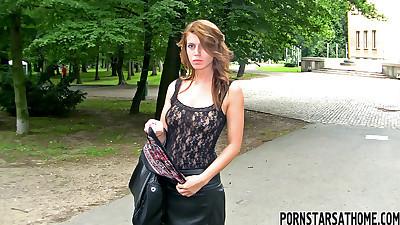 Brazen brunette caught pissing on..