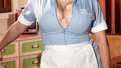 BBW maid in fancy nylon pantyhose..