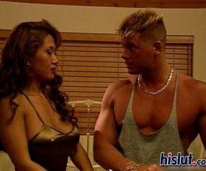 Kia and Sandi get..