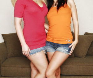 Clothed MILFs Alexis Texas & Roxy Deville strip off shorts..