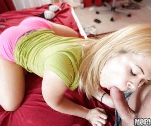 Elizabeth Bentley taking cum on ass after hardcore anal..