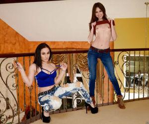 Lesbian pornstars Riley Reid and Gabriella Paltrova fuck..