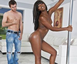 Hot black chick Sierra Banxxx seduces a man by dancing..
