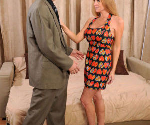 Older woman Darla Crane and new lover fuck like bunnies on..