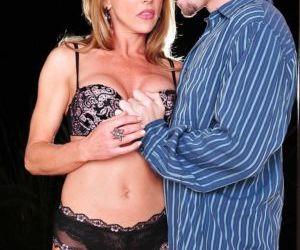 Curvy mature vixen in lingerie Shayla Laveaux seduces a..