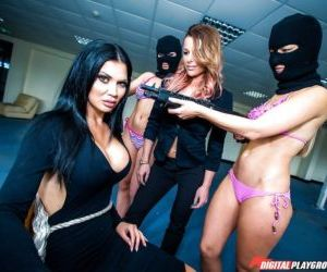 Brunette MILF Jasmine Jae abducted at gunpoint for..