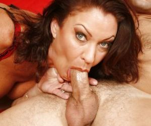 Busty mature slut Vanessa Videl gives a blowjob and gets..