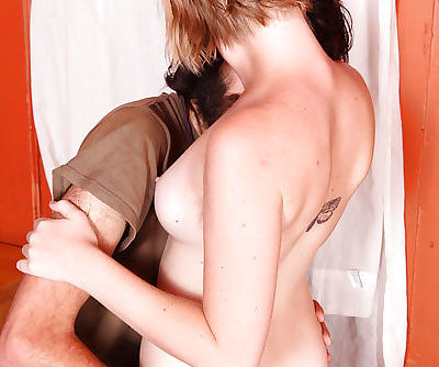 Short haired amateur Anna flashing hairy gash while delivering a bj